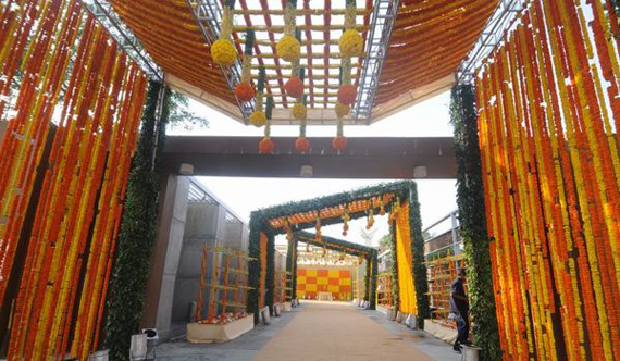 Wedding decorators in chennai wedding decoration wedding reception can be enlightened by beautiful floral decorations in reception hall entrance decoration junglespirit Image collections